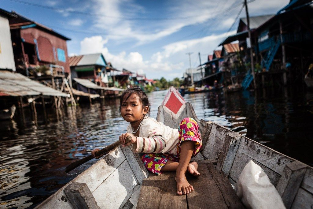 Photo afternoon on the shores of Tonlé Sap Lake